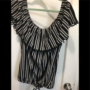 Black and white top new